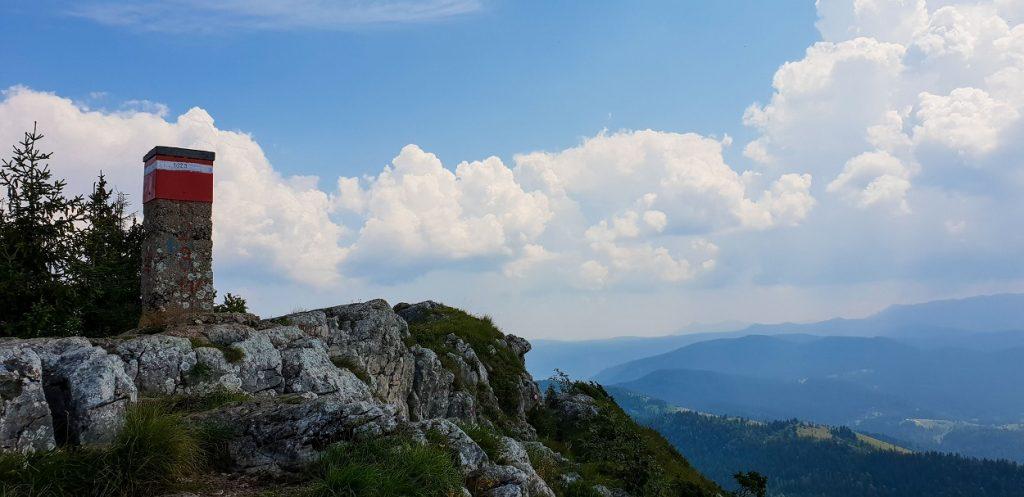 Natuur in Bosnië - Trebevic - Sarah Belwriting Reisblog